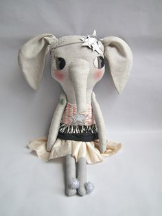 No longer available, but still cute. Maybe I could make one some day. ;-)  elodie