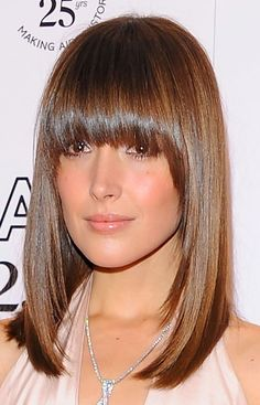 Recreate Rose Byrne's look with the Clip-In fringe from Balmain Hair! No commitment style changer! Medium Hair Cuts, Medium Hair Styles, Short Hair Styles, Haircut Medium, Hairstyles With Bangs, Straight Hairstyles, Bangs Hairstyle, Vintage Hairstyles, Layered Bob Hairstyles
