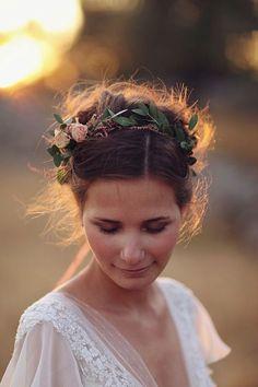 27 Flower Crown Ideas #WeddingCrowns