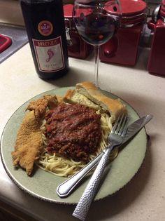 Spaghetti w/homemade meat sauce, Tilapia and garlic bread