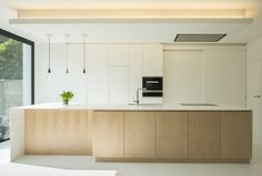 6 Amazing Cool Tips: Contemporary House Style contemporary interior restaurant. Kitchen Dining, Kitchen Decor, Kitchen Cabinets, Bathroom Cabinets, Bathroom Storage, Kitchen Ideas, Trendy Living Room Wallpaper, Contemporary Home Decor, Contemporary Stairs