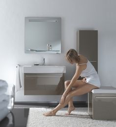 Duravit X-Large in cappuccino - on display in the Soak showroom with an Axor Urquiola basin