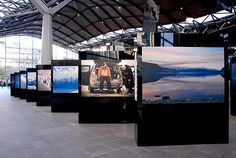 Outdoor-Photography-Exhibit-for-Air-New-Zealand