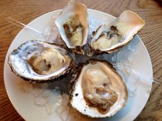 French vs Galician oysters.