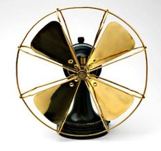 Peter Behrens Fan (model 1908 Painted cast iron and brass Peter Behrens's electric fan reflects his practicality and standardization vision. Behrens combined pure geometry with clean, refined decoration, make these products have their own value. Art Nouveau, Art Deco, Antique Fans, Vintage Fans, Vintage Tools, Josef Albers, William Morris, Corporate Design, Peter Behrens