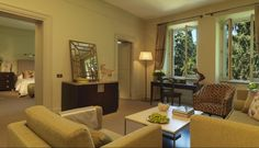 Located between two of Rome's most picturesque piazzas, Piazza di Spagna and Piazza del Popolo, Hotel de Russie is one of the Eternal City's most prestigious luxury hotels. Rome Hotels, Urban Exploration, Hotel Deals, Fine Dining, Luxury Lifestyle, Urban Decay, Italy, Luxury Hotels, Wanderlust