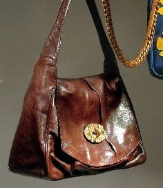(erva)  かわいいだけじゃない!  かっこいい鞄もある!!  ラフな格好に合いそう。