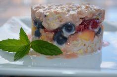 Tartare aux fruits Pudding, Desserts, Food, Tartarus, Stuff Stuff, Tailgate Desserts, Deserts, Custard Pudding, Essen