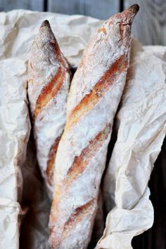 Gluten-Free Crusty Baguette anyone? Sorghum, a good alternative to wheat - Bread and Companatico Good Gluten Free Bread Recipe, Gluten Free French Bread, Gluten Free Baking, Gluten Free Recipes, Bread Recipes, Vegetarian Recipes, Gluten Free French Baguette Recipe, Gluten Free Artisan Bread, Healthy Recipes