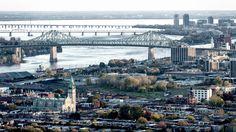Le pont du Cartier - Le Pont Jacques-Cartier, en place depuis 1930, depuis la tour panoramique du stade olympique de Montréal (Québec, Canada), avec au premier plan la paroisse de la Nativité-de-la-Sainte-Vierge et le quartier Hochelaga-Maisonneuve.