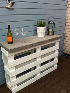 Live creatively: You can easily make these 4 cool DIY furniture yourself! - Re-Wilding Pallet Crafts, Diy Pallet Projects, Pallet Ideas, Diy Pallet Furniture, Cool Furniture, Furniture Ideas, Wooden Furniture, Wooden Pallets, Wooden Diy
