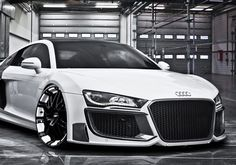 Do you like cars especially those sports cars with the luxurious look? Then you might find the Audi to be one on your favorite list. The Audi has . Maserati, Bugatti, Porsche Cayman 987, Dream Cars, Dream Big, Carros Audi, E90 Bmw, Automobile, Audi R8 V10