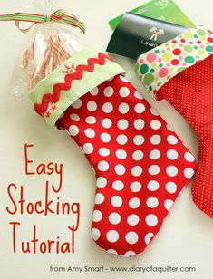 This easy Stocking Tutorial is the perfect DIY project to customize your own stockings with fabrics of your choice. This Christmas stocking sewing pattern is so simple you will want to make one for ev (Diy Christmas Socks) Christmas Sewing Projects, Diy Craft Projects, Christmas Sewing Patterns, Small Sewing Projects, Noel Christmas, Handmade Christmas, Modern Christmas, Christmas Tables, Nordic Christmas