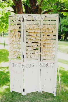 Great idea for escort cards! Image by Milou + Olin Photography
