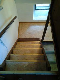 nach der Sanierung der Kellertreppe