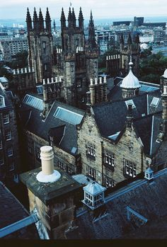 New College, Edinburgh - Thomas Chalmers taught here and influenced the lives of many young men in a godly way, who would later become ministers of the gospel, and be sent all over the face of Scotland.