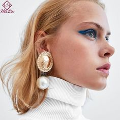 Spring Jewelry Trends, Lemon Yellow Crystal Jewelry for Her, Raw Rough Geode Crystal Stud Earrings, Anniversary Girlfriend Wife, Pastel Gift - Fine Jewelry Ideas Bar Stud Earrings, Pearl Drop Earrings, Bridal Earrings, Crystal Earrings, Women's Earrings, Pearl Beads, Silver Earrings, Metal Jewelry, Crystal Jewelry