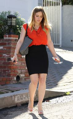 Hilary-Duff-Feet-913380.jpg (2826×4584)