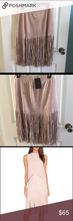 JOA fringe middle skirt NWT!  Size Med fringe midie skirt in mauve color. Sooo cute just doesn't fit! Super trendy right now Skirts Midi