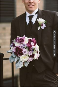 purple wedding bouquet | VIA #WEDDINGPINS.NET