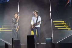 Niall and Liam // Cardiff - 6.5.15 (by: @KRF1D)
