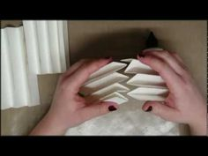 how to make a book card...video stopped at 9:14 but the base was already made.... precious !!!