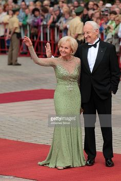 Former Bavarian state governor Edmund Stoiber and his wife Karin Stoiber arrive for the Bayreuth festival 2011 premiere on July 25, 2011 in Bayreuth, Germany.