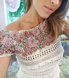 """1,180 Me gusta, 15 comentarios - Vanessa Montoro (@vanessamontoro) en Instagram: """"Handmade dress + Flower Crochet Needlework ❤"""""""