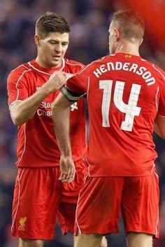 Gerrard hands over the captaincy to Henderson