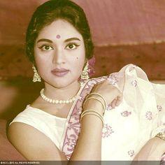 50 Beautiful Faces in Bollywood: Vijayanti Mala