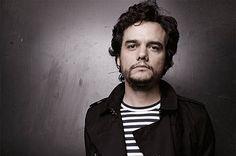 Wagner Moura estará no elenco do remake Sete Homens e um Destino