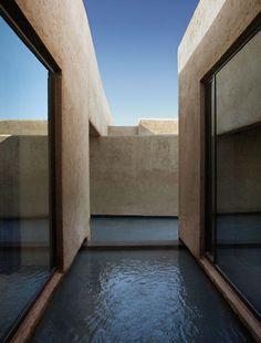 Studio KO - Villa K - Marrakech - ©Dan Glaser > Pools seen from the bathroom