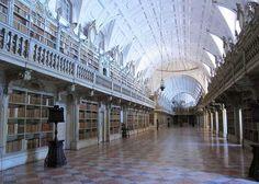 La Biblioteca Nacional del Palacio de Mafra en Portugal