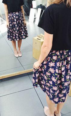 Patron de couture jupe / coudre une jupe / patron jupe hestia de i am patterns Fashion Tips For Women, Diy Fashion, Sewing Clothes, Diy Clothes, Marie Claire, Easy Sewing Patterns, Pattern Sewing, Pattern Skirt, Make Your Own Clothes