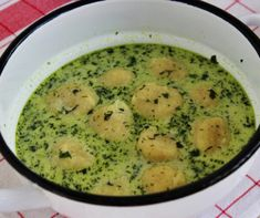 Zöld leves sajtgombóccal Recept képpel - Mindmegette.hu - Receptek Palak Paneer, Cheeseburger Chowder, Ethnic Recipes, Soups, Soup