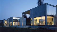 LIvIO VACCHINI architect sublime non ! Livio Vacchini (Locarno, 27 février 1933 - Bâle, 2 avril 2007) est un architecte suisse de l'école tessinoise diplômé au Polytechnique fédéral de Zürich en 1958. Vacchini a été membre de la Tendenza et s'est fait...
