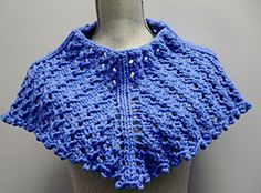 Lace and bulky weight yarn, can they work together? Yes, definitely in this Top Down cowl worked in a ribbed lace pattern. Shaped to sit beautifully on your shoulders.