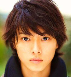 """山崎賢人 Kento Yamazaki ☆デスノの L とは思えない!? ★He plays the role of """"L"""" in the new Death Note series (J drama)."""