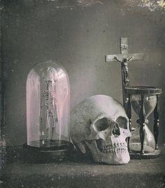 L. Jules Duboscq-Soleil: Still life with skull, c.1850.