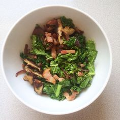 Delicious sautéed kale with red onion, shiitake mushrooms and pancetta. #lchf #lowcarb