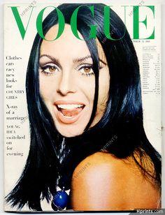 Original vintage UK Vogue British Magazine 1964 October 15th, Daliah Lavi, David Bailey, Balenciaga, Irving Penn — Magazines