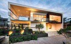 Современный прямоугольный дом с удивительной архитектурой и интерьером