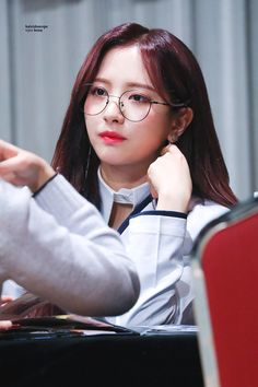 180301 신나라 팬싸인회 #우주소녀 #보나 Yuehua Entertainment, Starship Entertainment, Xuan Yi, Space Girl, G Friend, Cosmic Girls, My Princess, Favorite Person, Korean Girl Groups