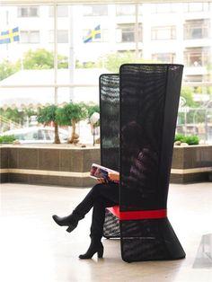 Ways of sitting …in public spaces с девушкой нельзя познакомиться!