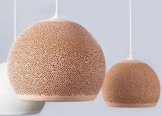 Sponge fra Pott er en serie lamper i superlett terracotta. Håndlaget i tre  forskjellige størrelser og fem forskjellige farger. Made in Spain.