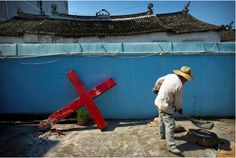 Chinese Authorities Remove Cross from Church