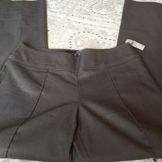 BCBG pleated Pant Cotton poly spandex blend BCBGMaxAzria Pants Boot Cut & Flare