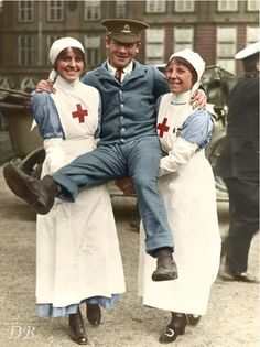 WWI; Two nurses with a North Staffordshire Regiment soldier in his 'Hospital Blues'. -Doug (@colour_history) | Twitter