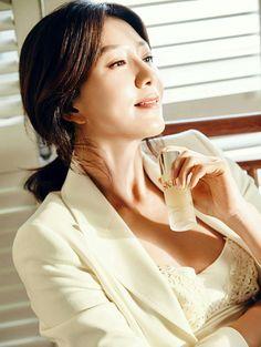 Korean Actresses, Actors & Actresses, Korean Fashionista, Yong Pal, Lee Bo Young, Bridal Mask, Joo Won, Yoo Ah In, Moon Chae Won