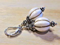 LEILA - Edelsteinohrringe - Sterling Silber - Howlith Boho, Pearl Earrings, Pearls, Jewelry, Fashion, Ear Jewelry, Silver, Moda, Pearl Studs
